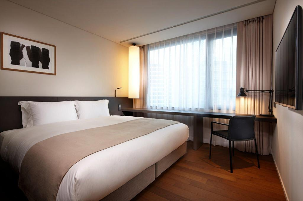 Standard Double - Bed Shilla Stay Mapo