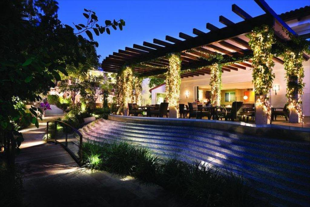 Sunset Marquis Hotel & Villas