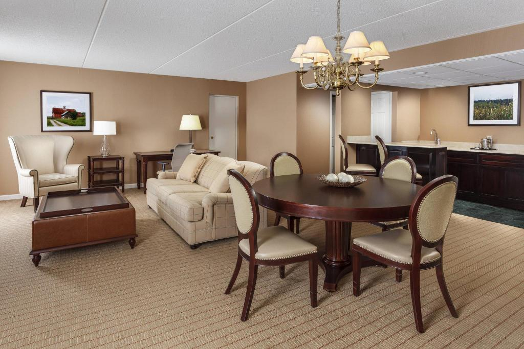 Club lounge access, Presidential Suite, 1 King, Sofa bed