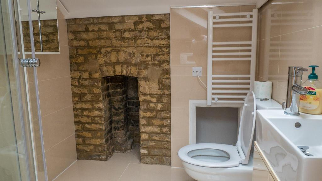 Bathroom London Stay Apartments