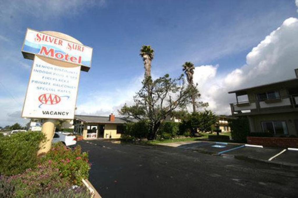 More about Silver Surf Motel