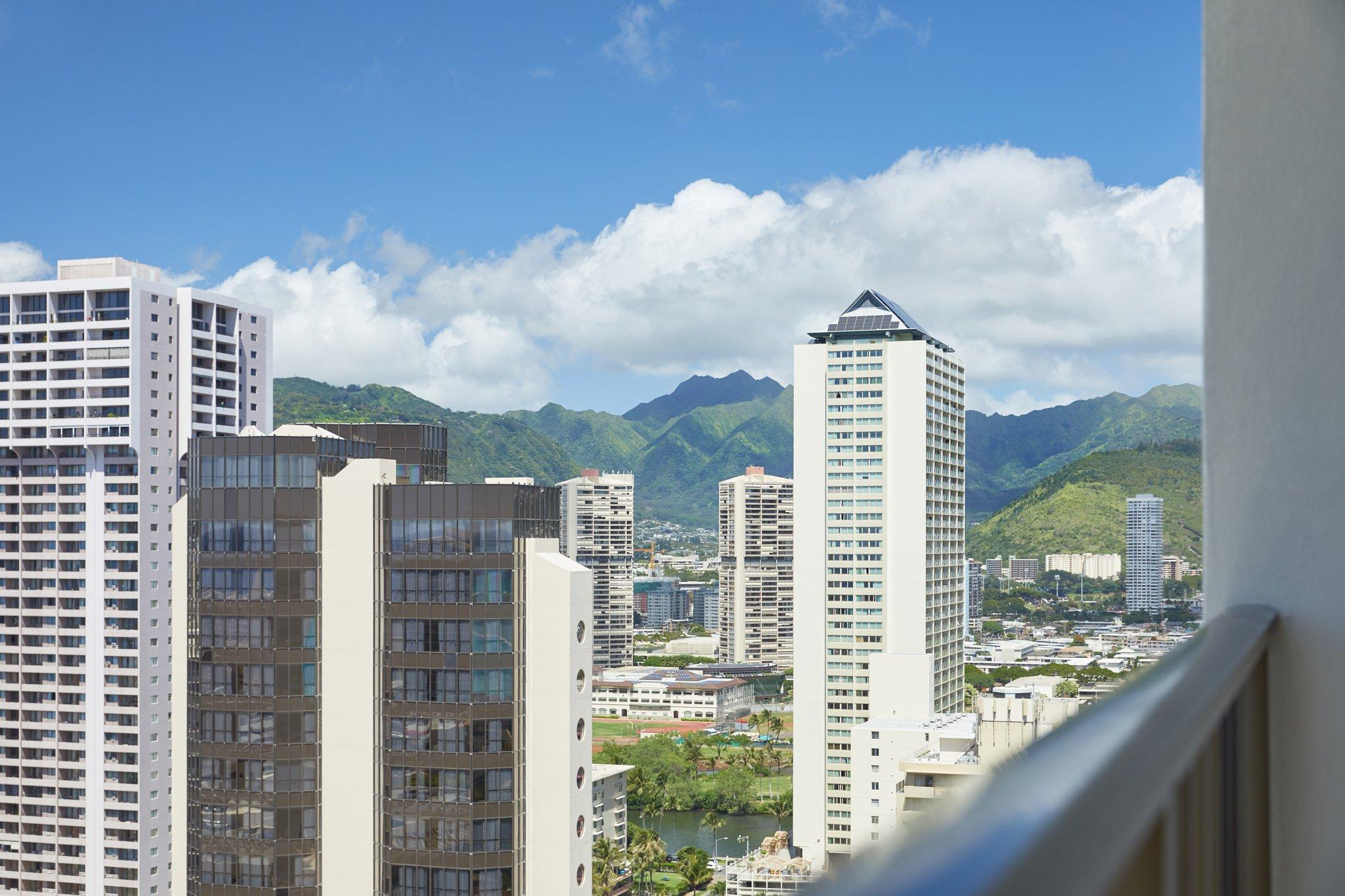 Waikiki Beachcomber By Outrigger Honolulu Hi Agoda Com