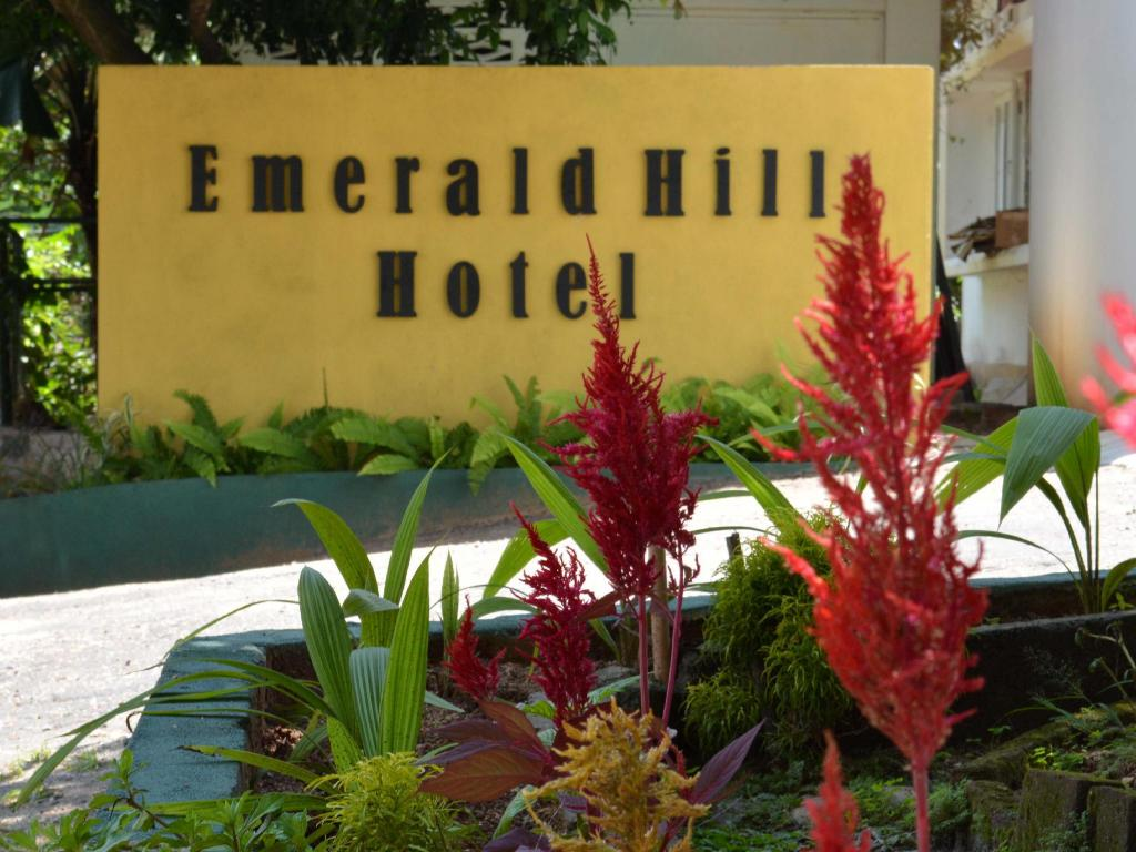 More about Emerald Hill Hotel