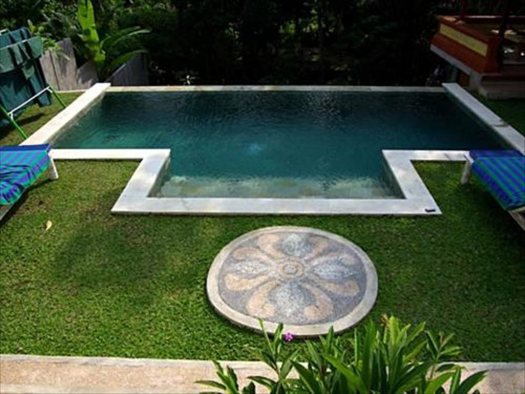 Swimming pool Capung Mas Villa