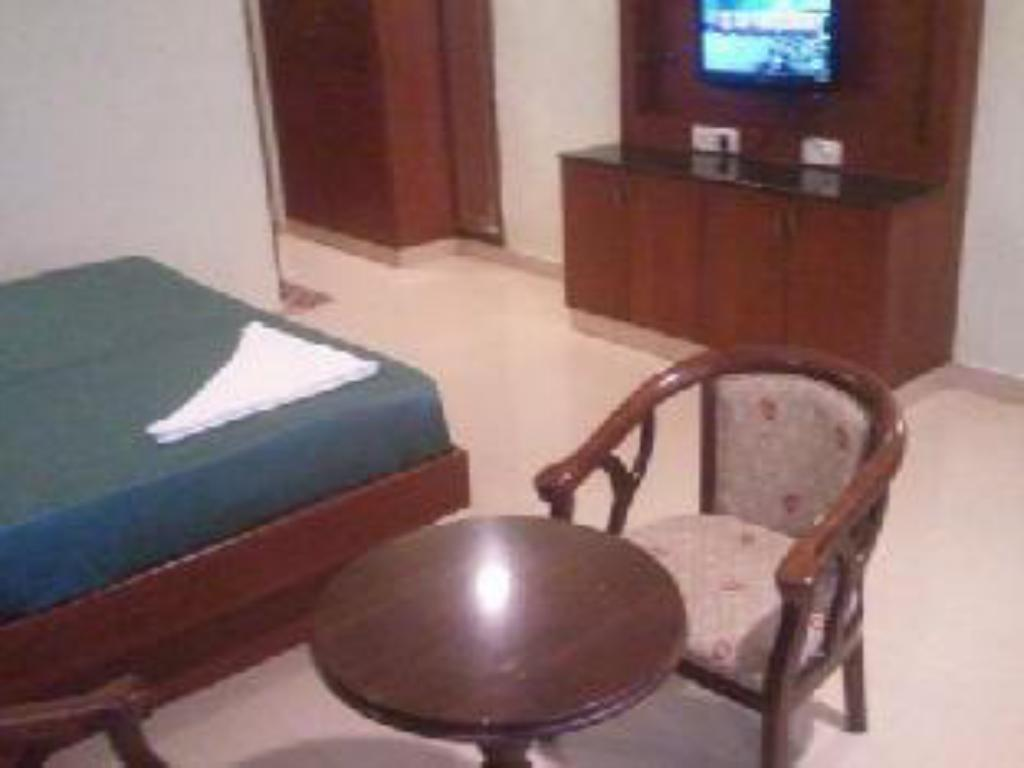Standard Room - Guestroom Hotel Udhayam International