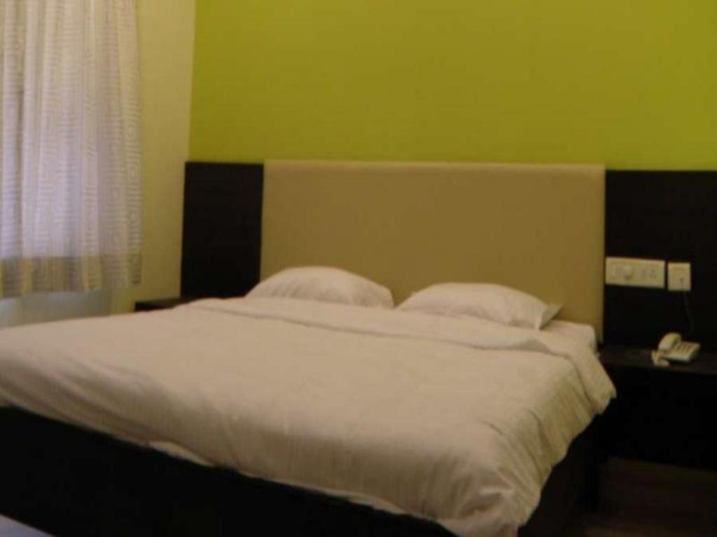 Standard Room - Bed Chennai Residency Serviced Apartment - T Nagar