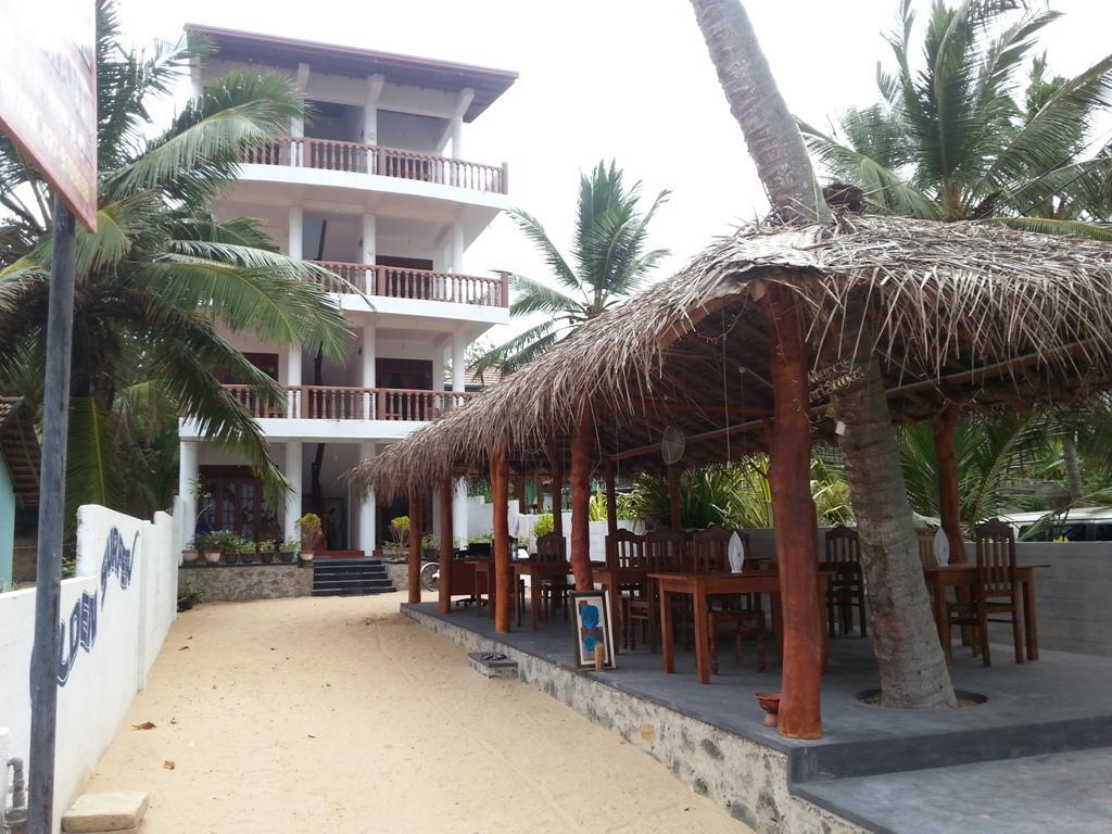 Golden Surfer Beach Hotel