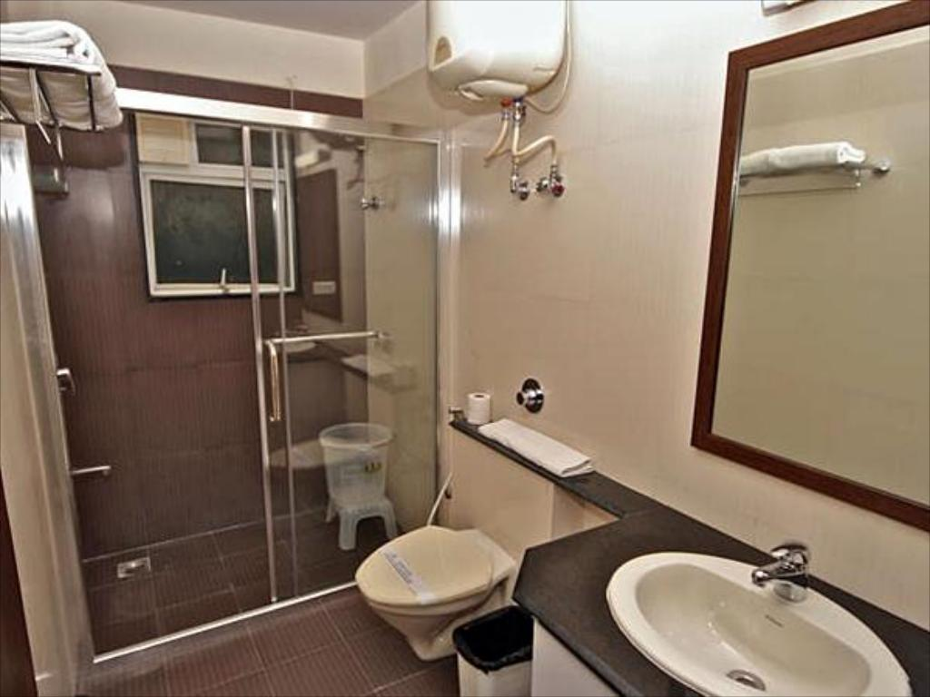 Bathroom Sterling Serviced Apartments Marathahalli