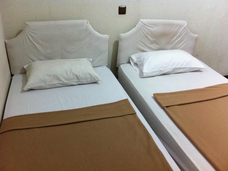 Twin soba (Twin Bed Room)