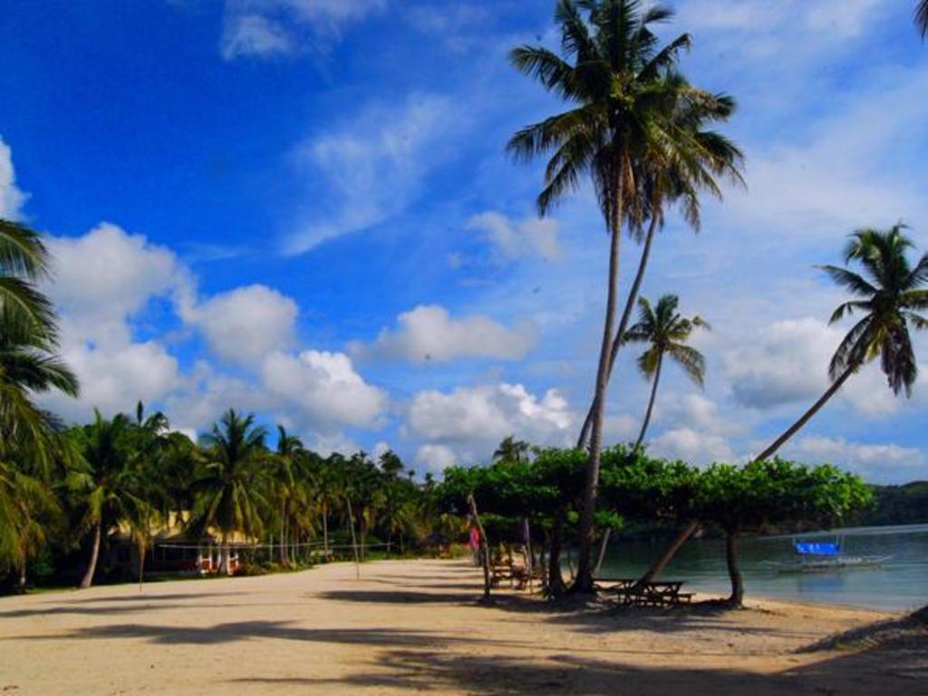 Beach Aglicay Resort