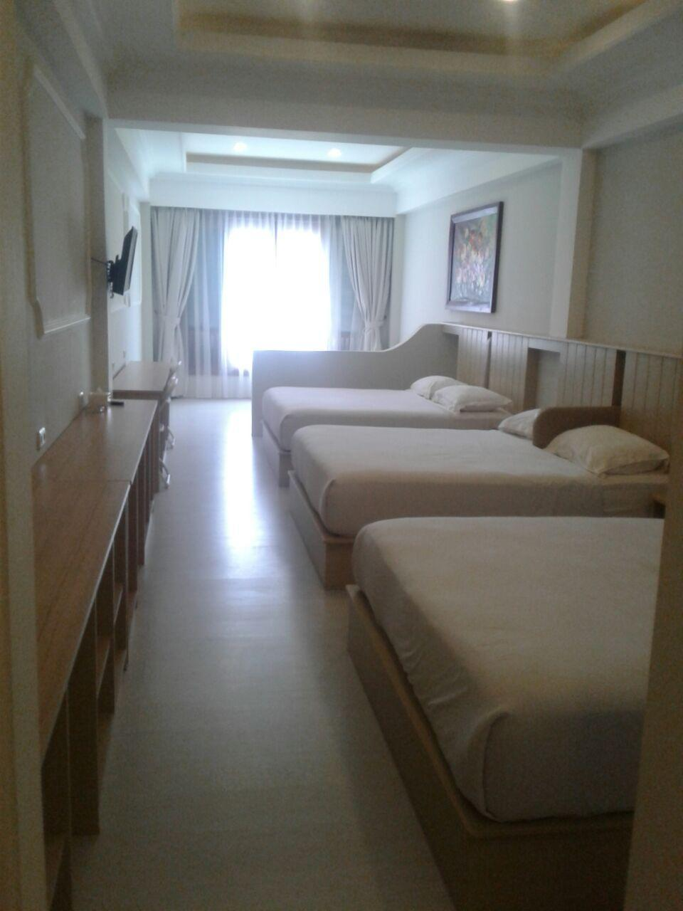 3 Queen Beds Suite
