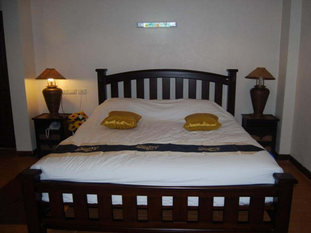 Standard King Bed - Bed Baiboon Grand Hotel