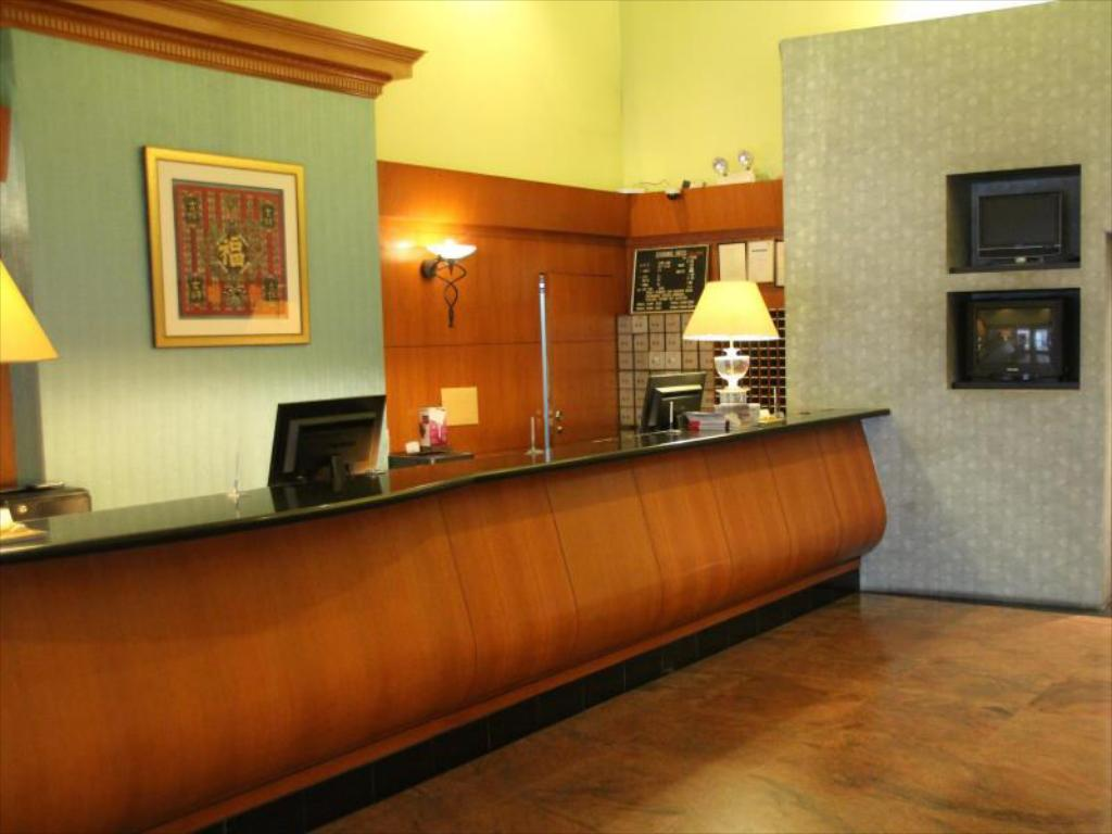 Lobby Strand Hotel (SG Clean Certified)