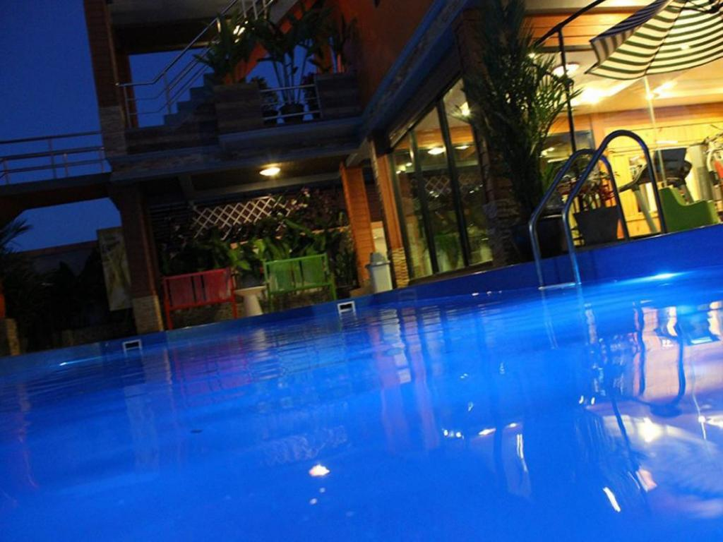 Swimming pool Phurue Boutique Hotel