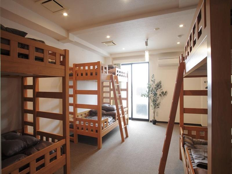 Female Deluxe Dormitory (6 Adults)