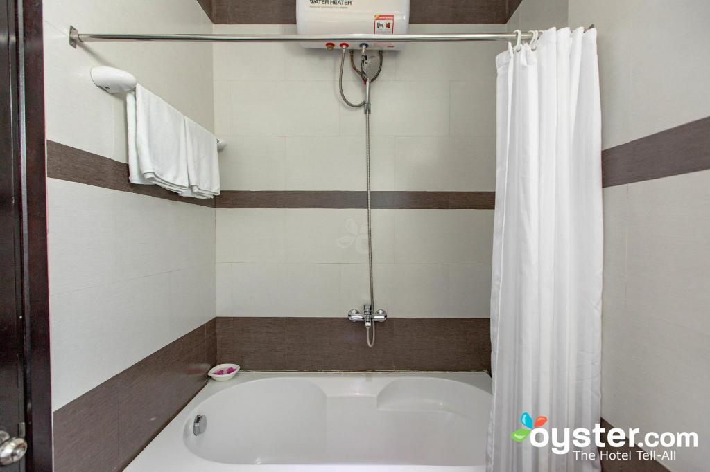Bathroom Golden Bell Homestay