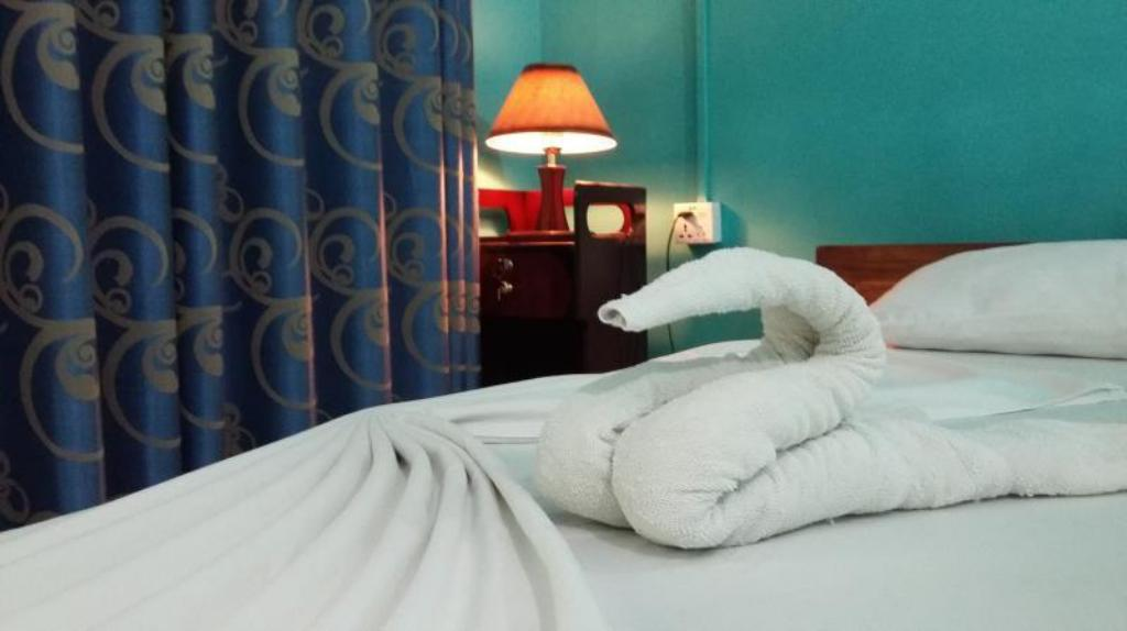 Single Room with A/C - Bed Lievis Tourist Homestay - Anuradhapura