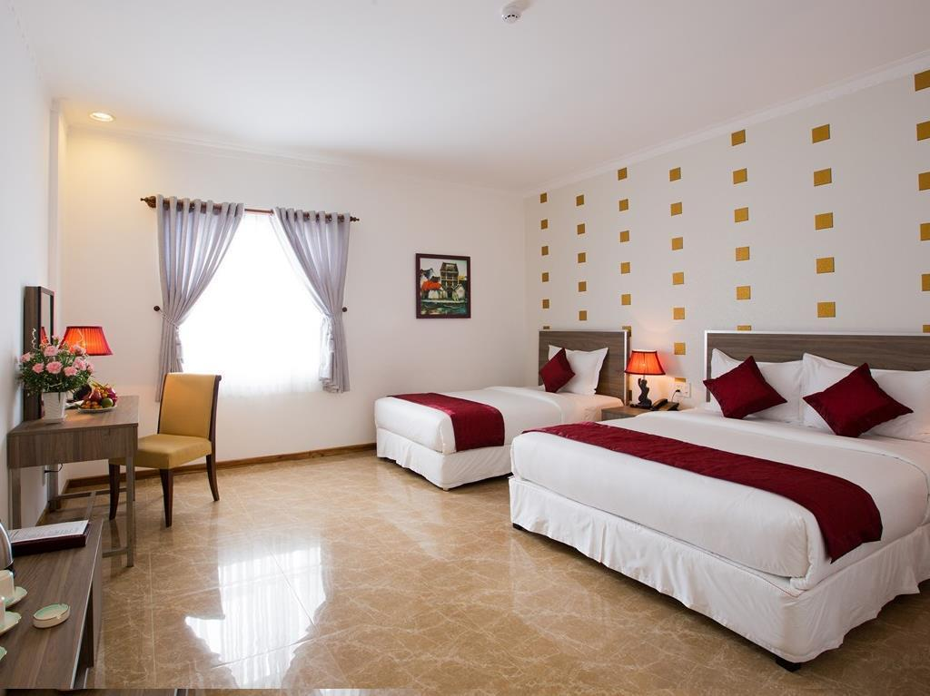 Senior Deluxe Triple Room