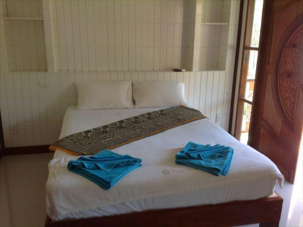 Bed Poonsap Villa