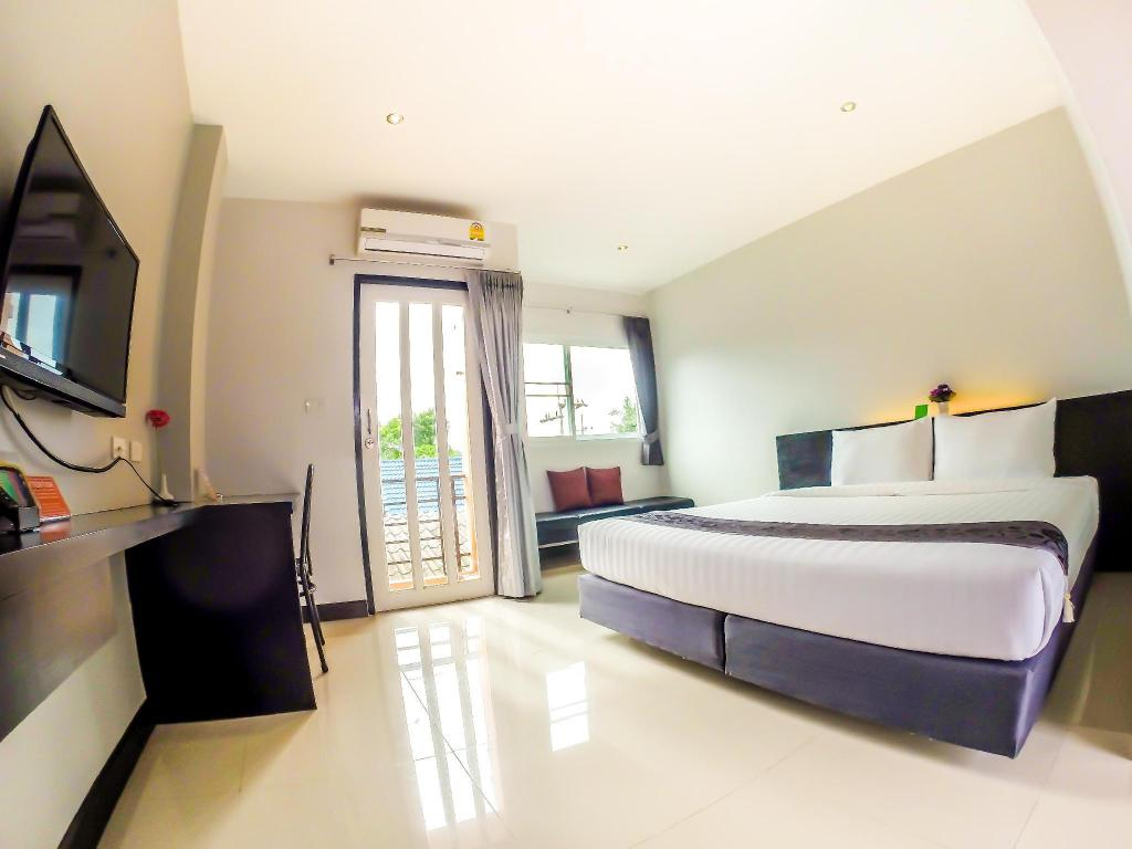 Standard Double Room - Guestroom My Place Phuket Airport Mansion
