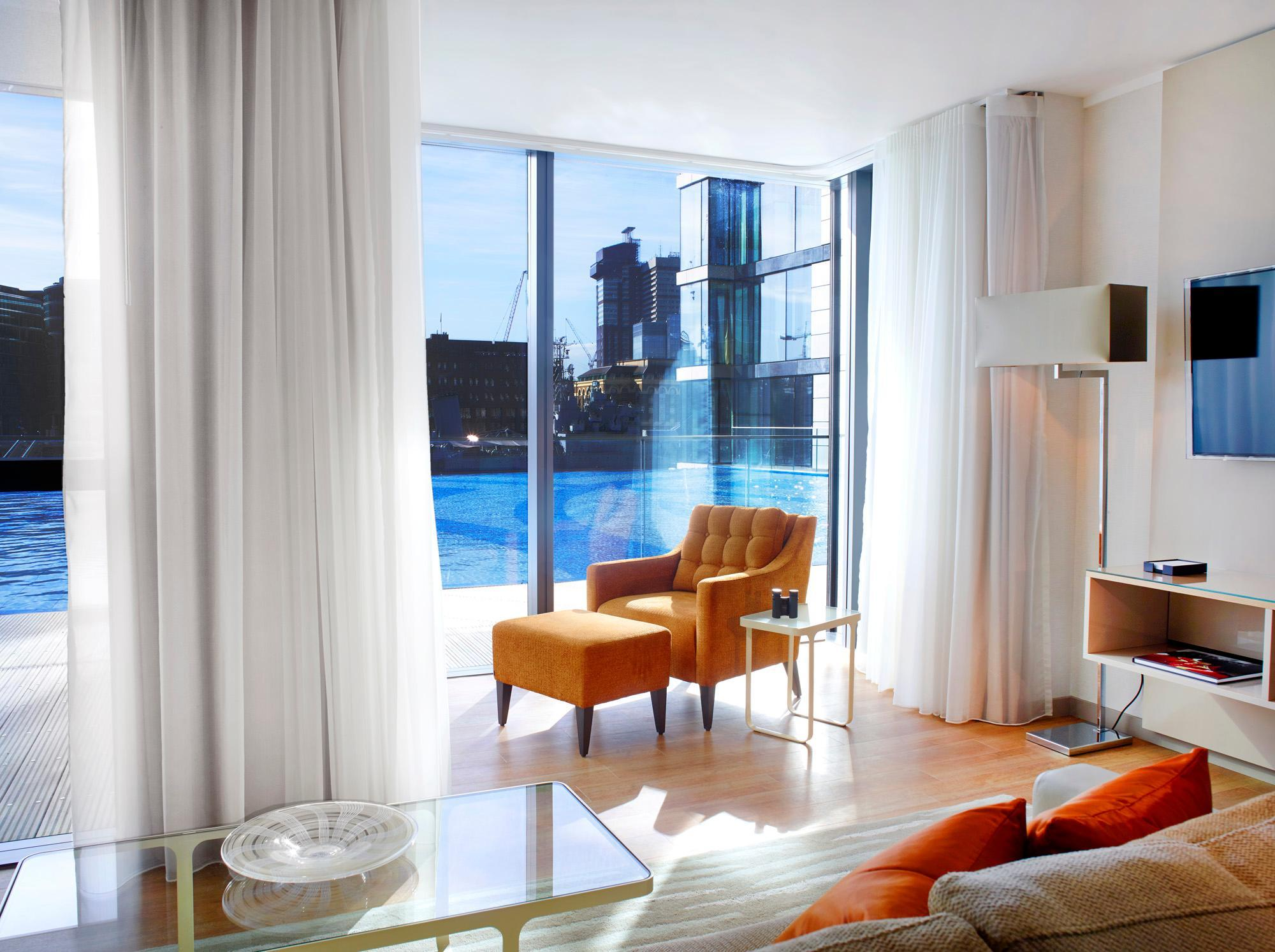 Deluxe 2-Bedroom Apartment River View