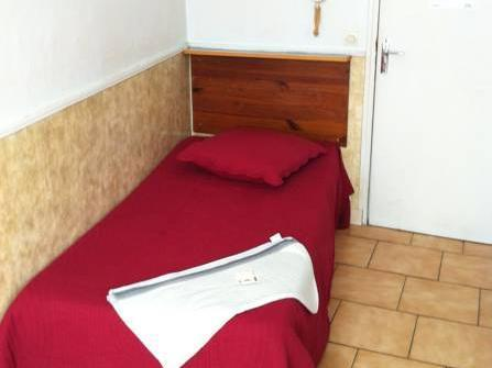 Single with Shared Bathroom