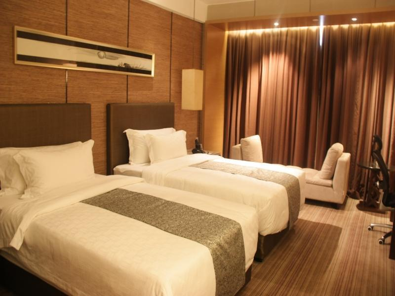 Business Round bed room