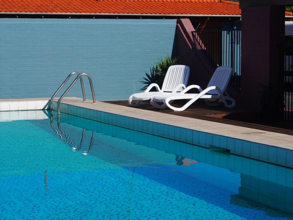 Swimming pool [outdoor] Dongara Hotel Motel