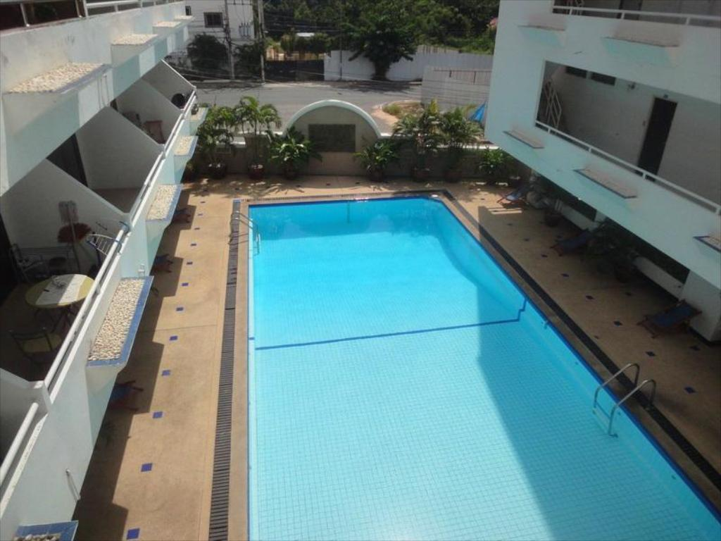 Swimming pool Jomtien Hill Condo