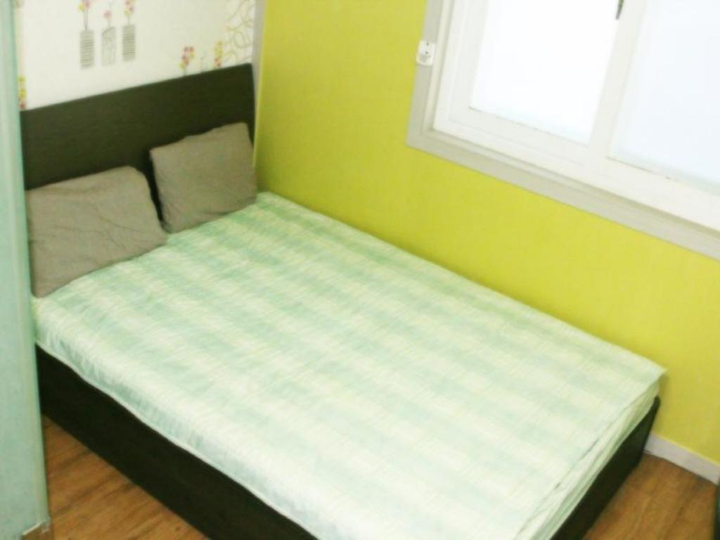 Budget Double Room - Bed Patio 59 Hongdae Guesthouse