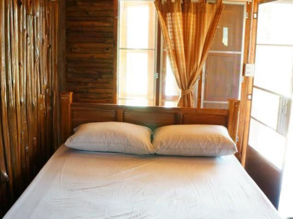 Standard Double - Bed Nidahommok Resort