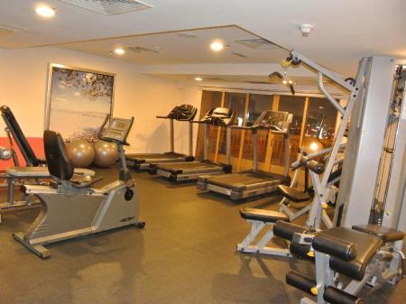 Fitness center New Town Suites