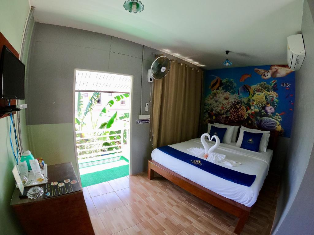 Deluxe Double Room with Balcony - Guestroom