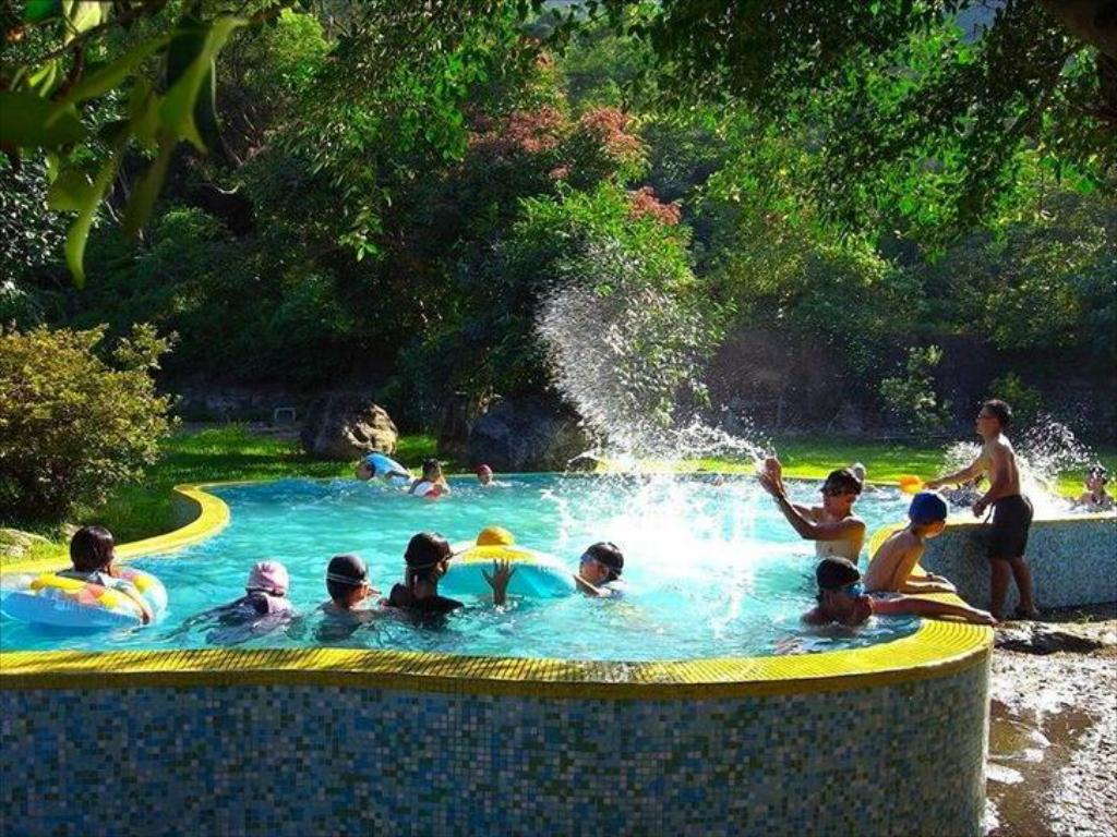 Swimming pool Outdoor Taiwan Backpackers Inn