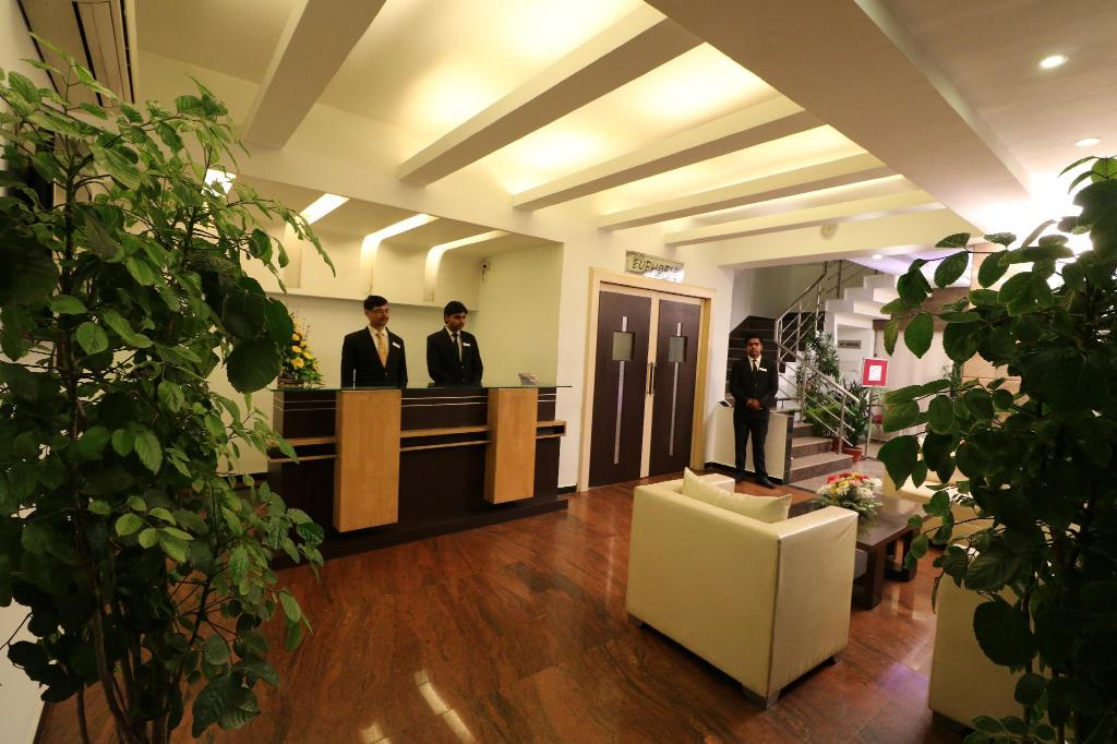 Reception Hotel Myriad Lucknow
