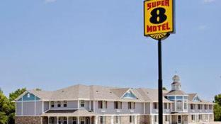 Super 8 By Wyndham Arkansas City Ks