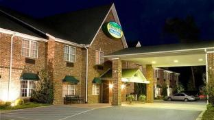 Mountain Inn and Suites Flat Rock