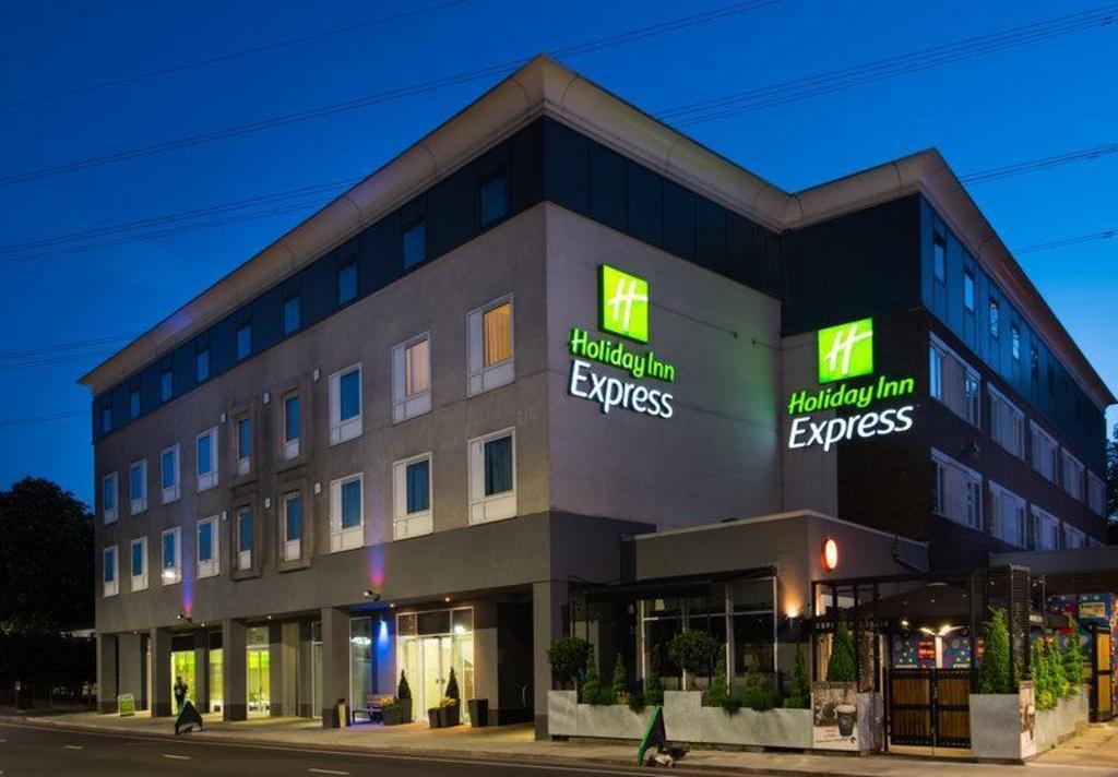 Holiday Inn Express London Wimbledon South Hotel Deals Photos