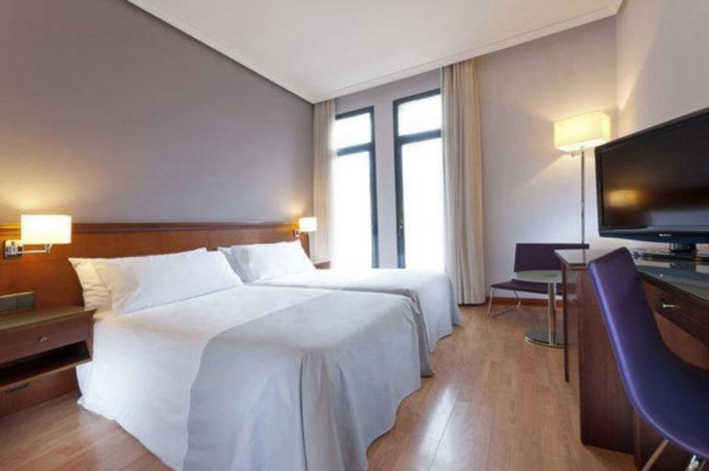 Meer over Tryp Madrid Cibeles Hotel
