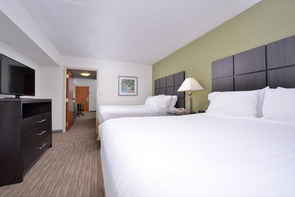 2 Queen Beds Non-Smoking Holiday Inn Express Hotel & Suites Mooresville-Lake Norman, Nc