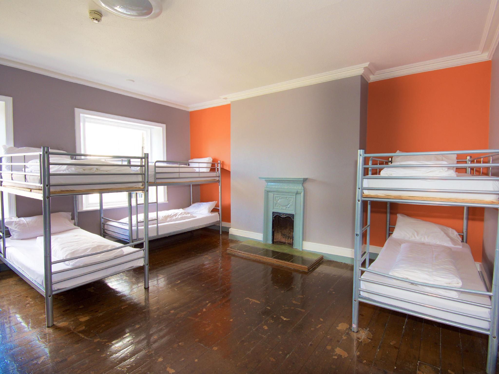 1 persona en dormitori compartit de 8 llits ‒ Mixt (1 Person in 8-Bed Dormitory - Mixed)