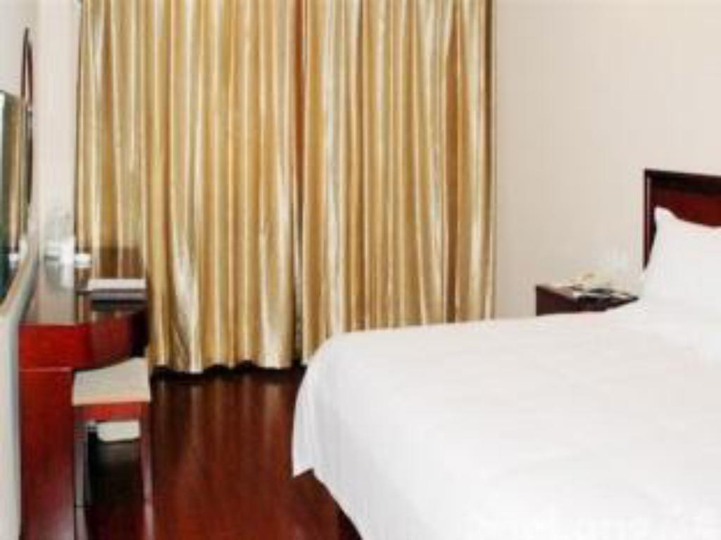 King Room - Domestic residents only - Bed Greentree Inn Yantai Haishui Yuchang Business Hotel