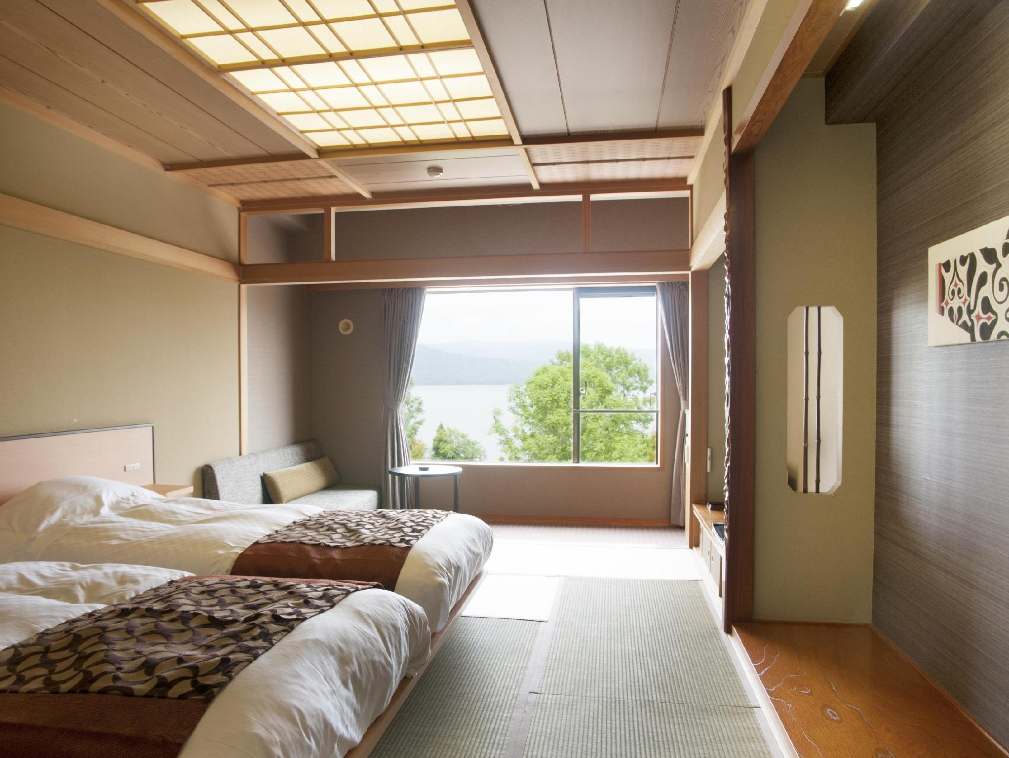 湖景双床间 (Twin Room with Lake View)