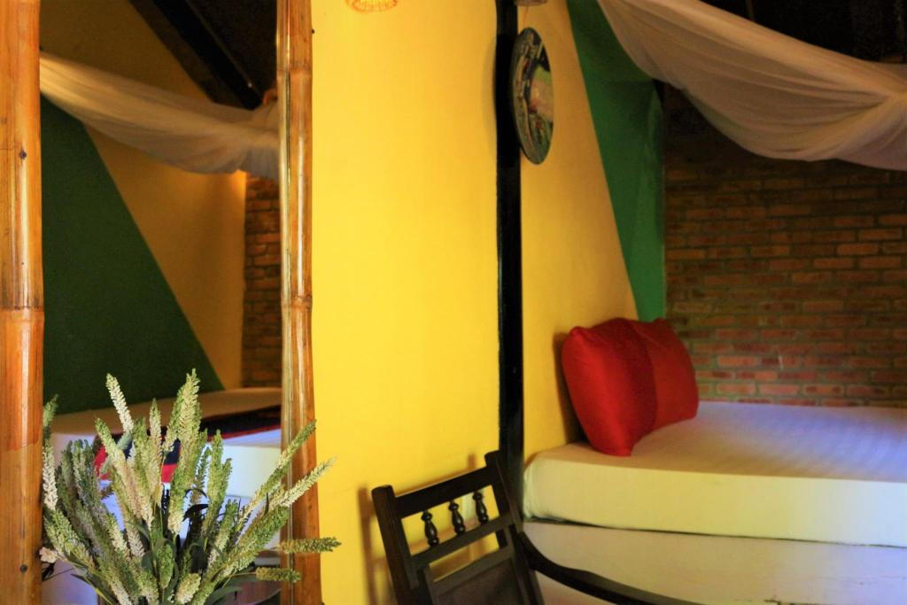 Double Room - Air Conditioning - Guestroom Under The Coconut Tree Hoi An Homestay