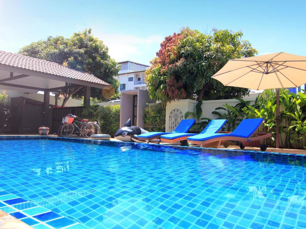 Swimming pool Baan Prayong Private Pool Villa, Phuket