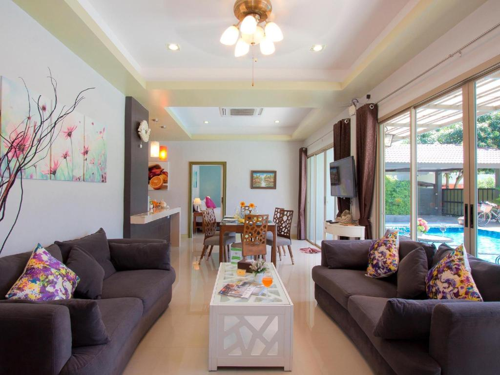 Interior view Baan Prayong Private Pool Villa, Phuket