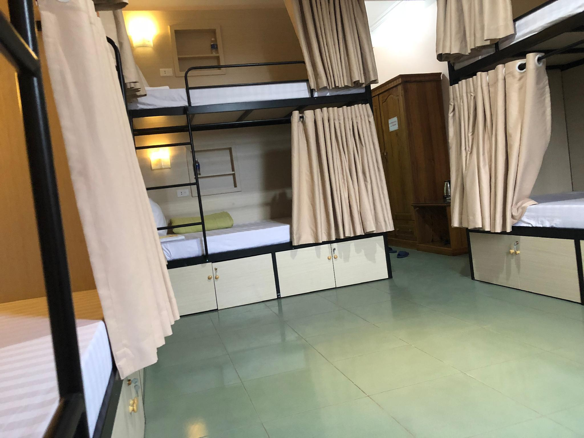 Bed in 6-Bed Dormitory