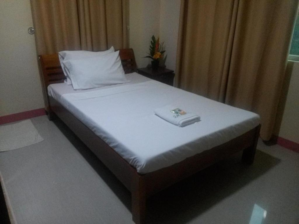 Double Fan Room - Bed JM Backpackers Hometel