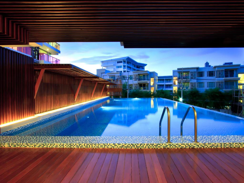 Swimming pool [outdoor] Rocco Huahin Condominium