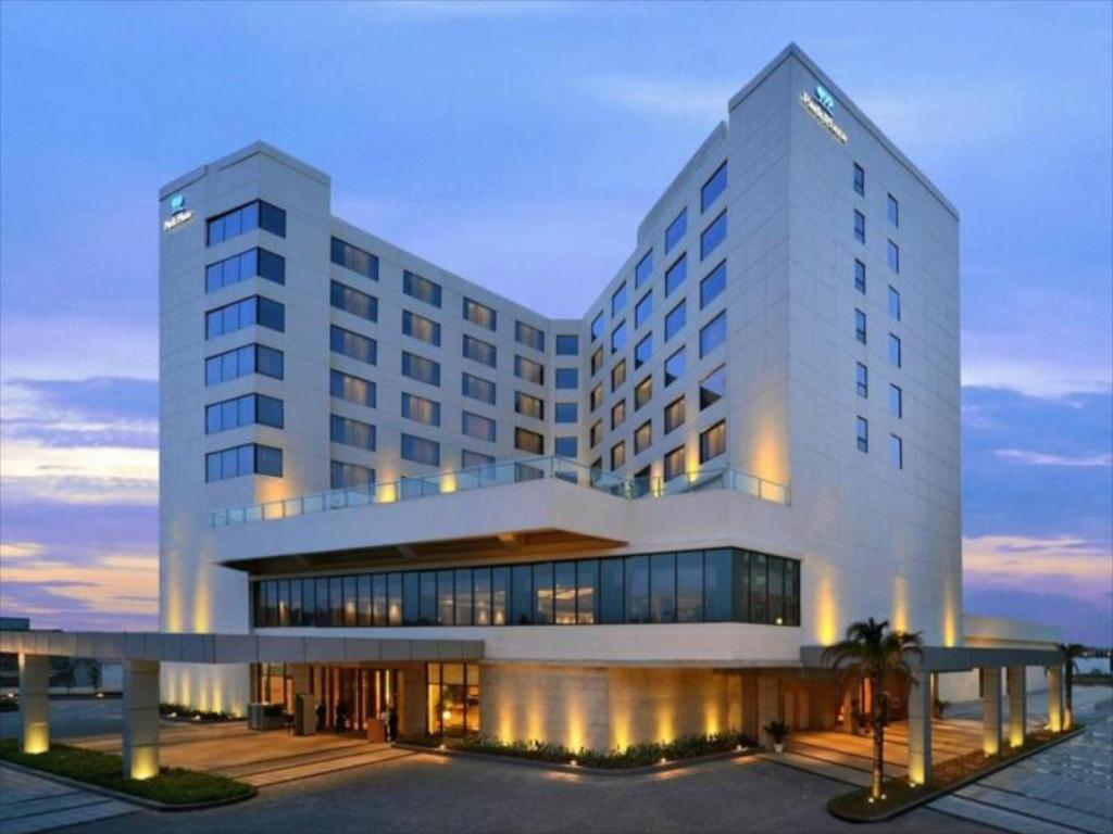 More about Park Plaza Zirakpur